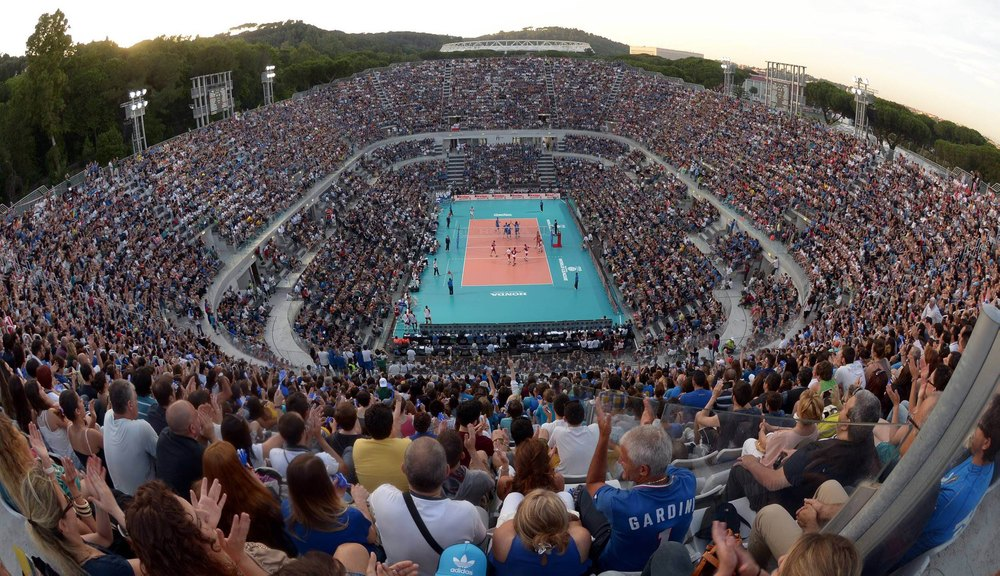 An outdoor FIVB World League volleyball game in Rome.  Photo: FIVB