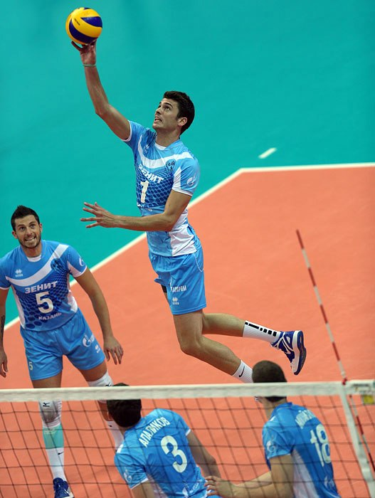 The worlds best setter, Marouf (#5) has a deadly arsenal at his disposal including American Matt Anderson (#1) Photo: Zenit Kazan