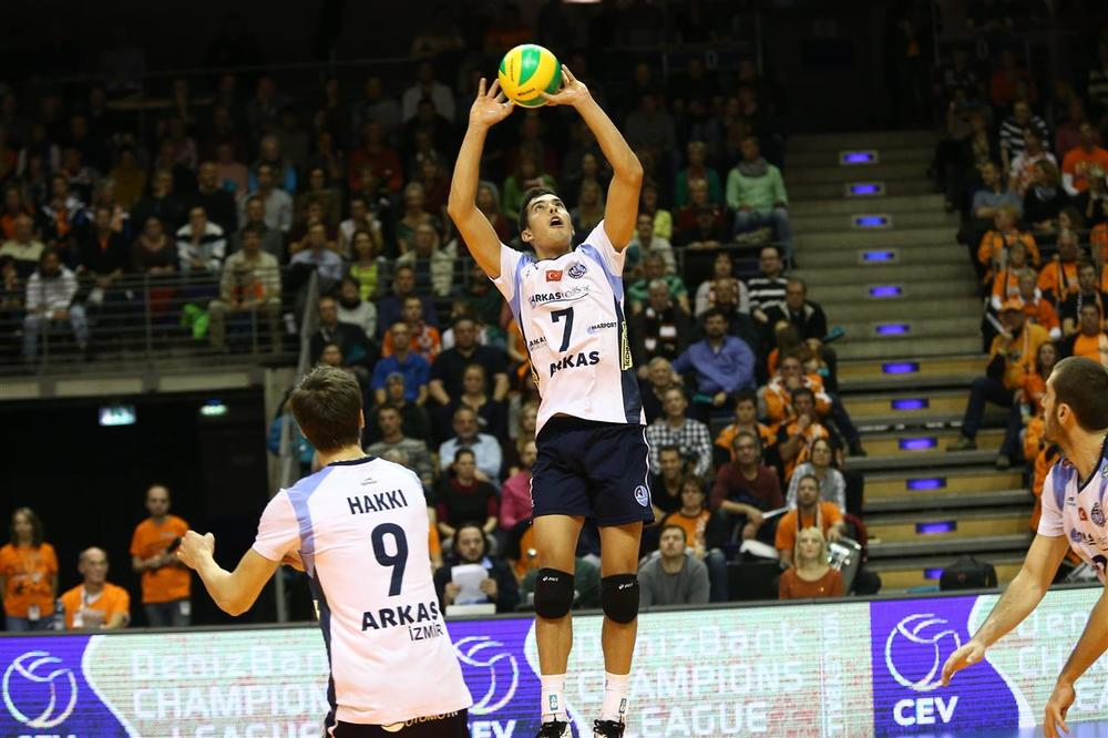 Kawika Shoji scored 10 points and set Arkas to victory over his former club (not to mention his brother) in their 3-2 win over Berlin to kick off the Champions League  Photo: CEV Champions League