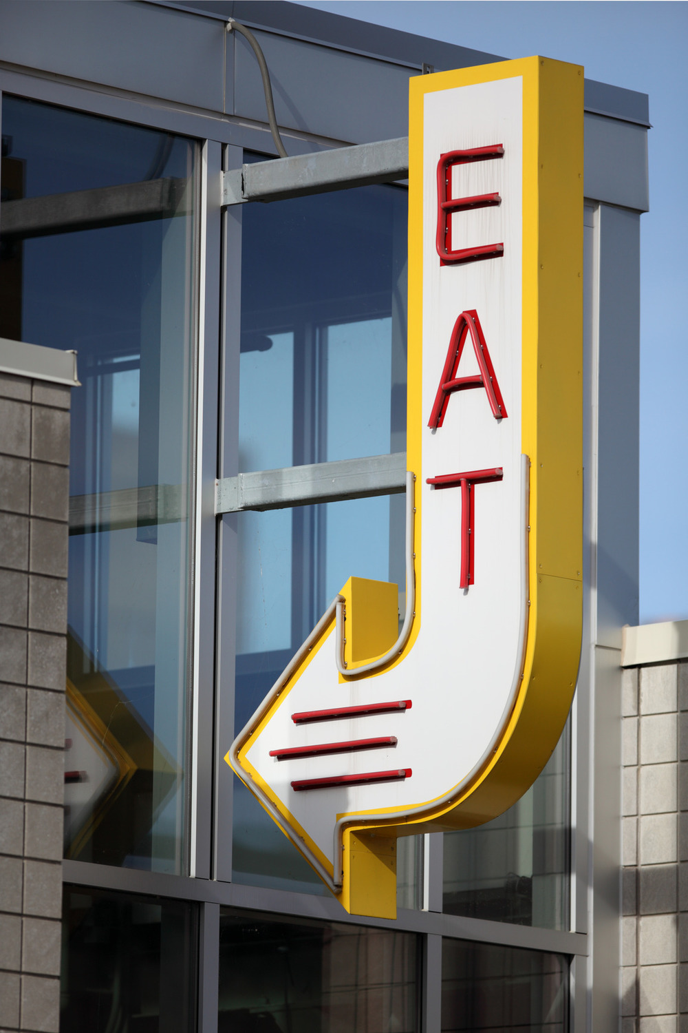photodune-6460174-eat-here-arrow-sign-m-2.jpg