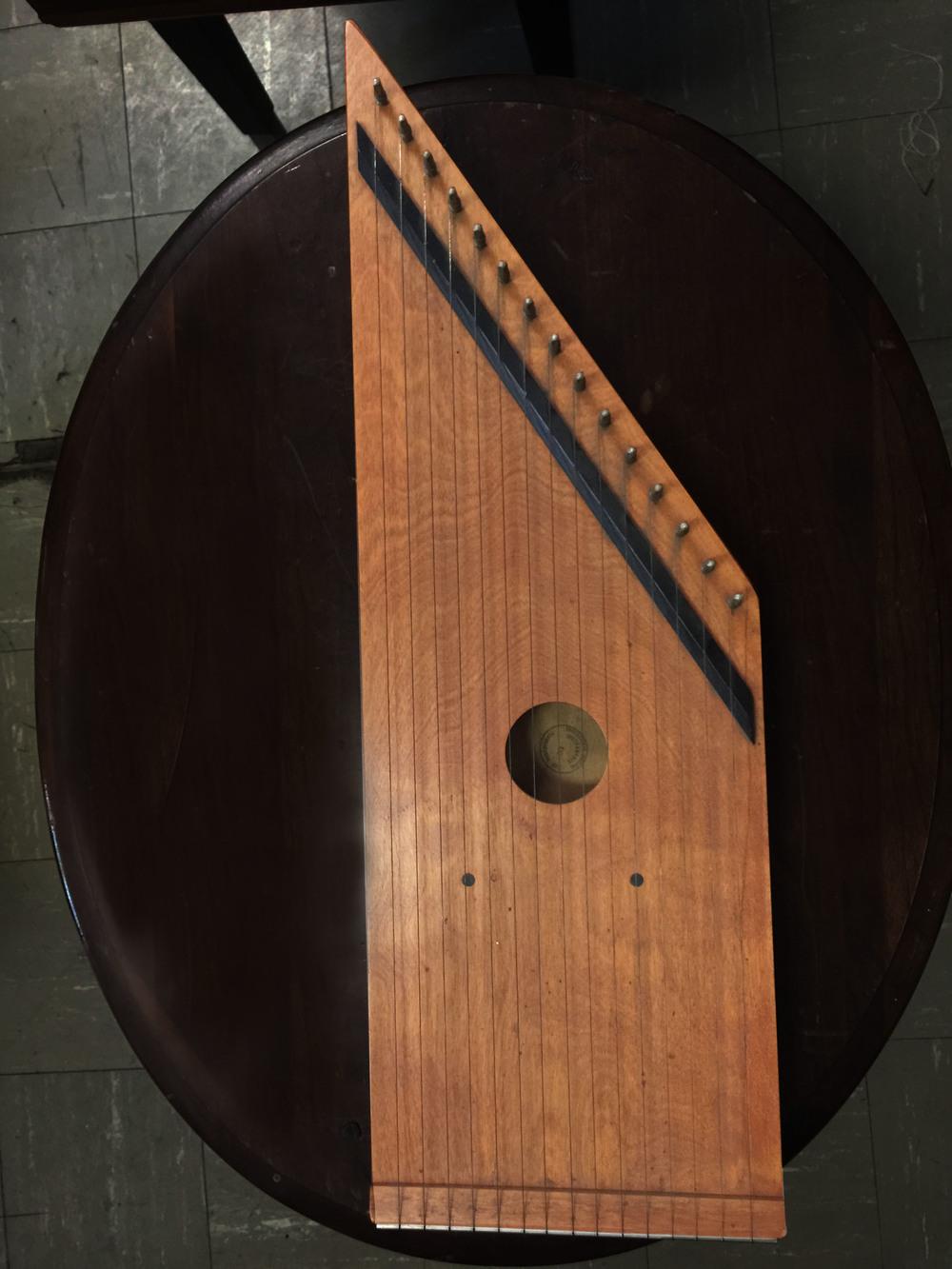 Instruments: Dulcimer