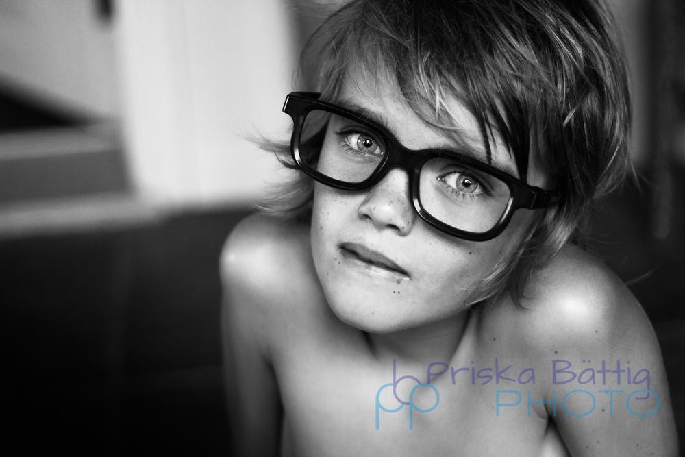 IMG_7521-blue eyes boy Priska Bättig photo copy.jpg