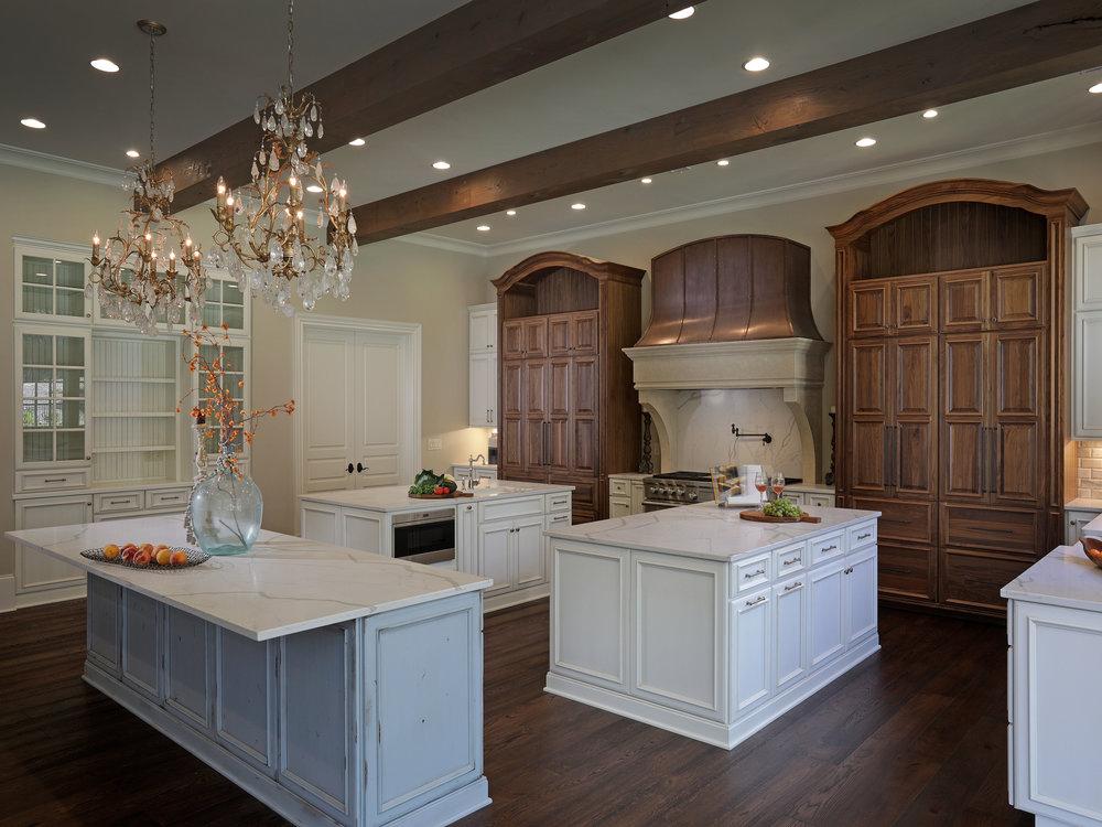 555_Kitchen3.jpg