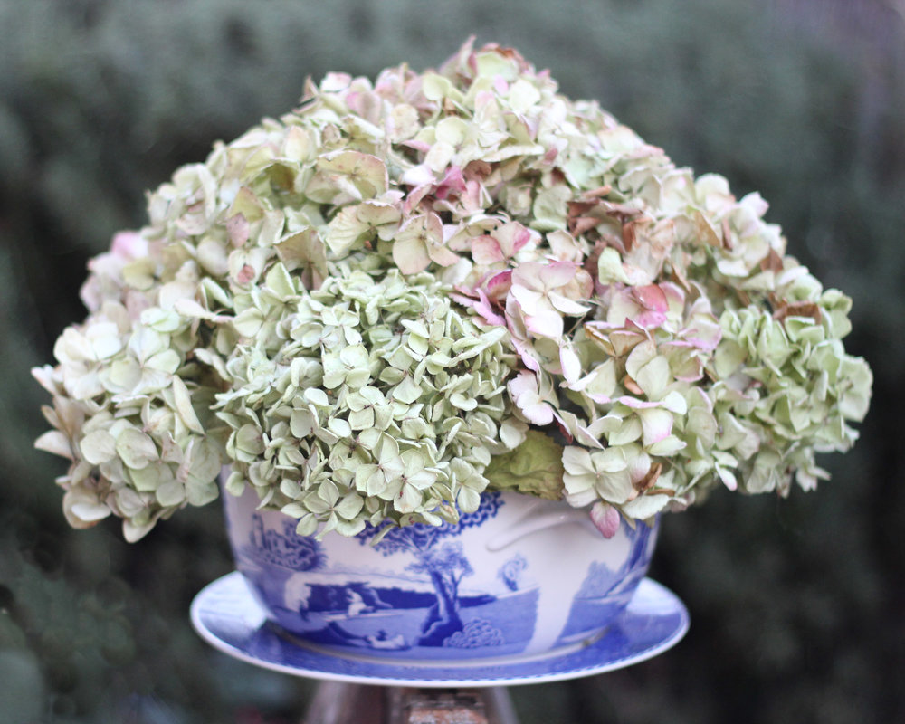 Enjoy the subtle hues in this, on a table or on top of your China hutch.