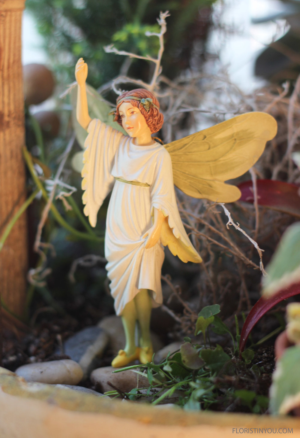 Look at all the detail in the Stitchwort Fairy.   She looks rather angelic.