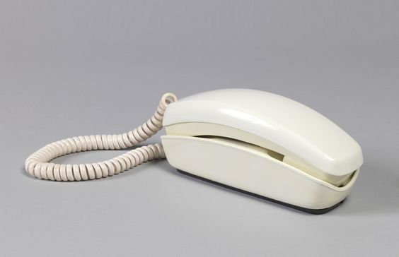 Trimline Phone by Donald Genaro & Henry Dreyfuss