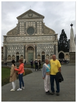 Waiting for the tour to start in front of Santa Maria Novella.