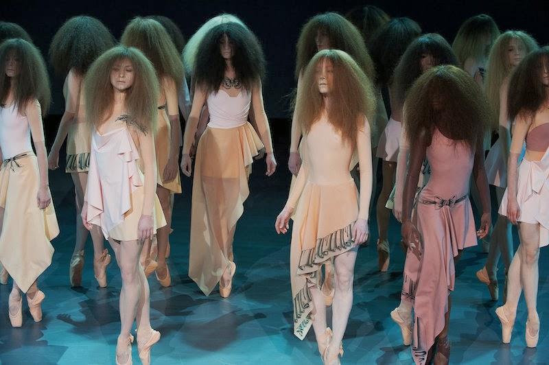 Viktor-Rolf-Haute-Couture-Spring-2014-2.jpg