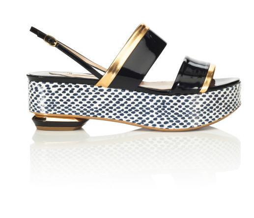 nicholas-kirkwood-pre-spring-2013-flatform-sandal-black-gold.jpg