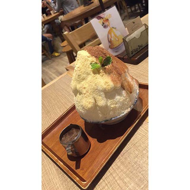 Best dessert we've had in Bangkok. Full stop. #afteryou #dessert #sweet #chocolate #siam #siamparagon #kakigori #bangkok #thailand #WVFgoestoBangkok