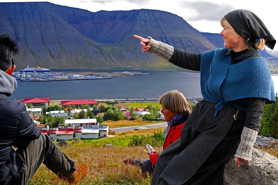 Creative Iceland Isafjordur city walk 2.jpg