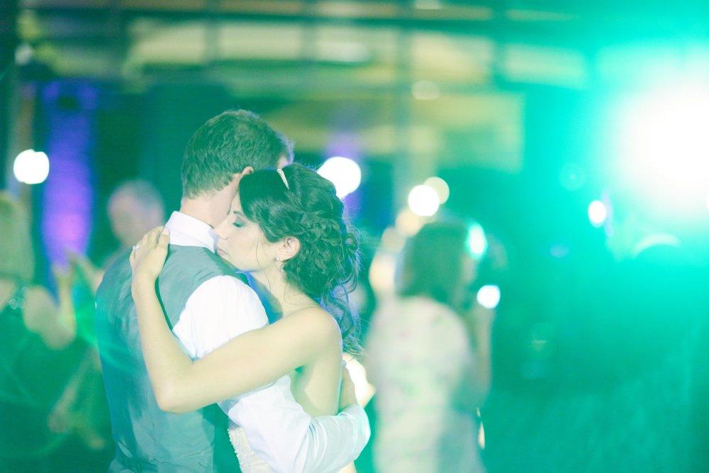 Erin.Chris.Wedding (2)-0917.jpg