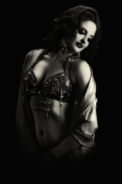 Philadelphia Belly Dancer Serafina in NY
