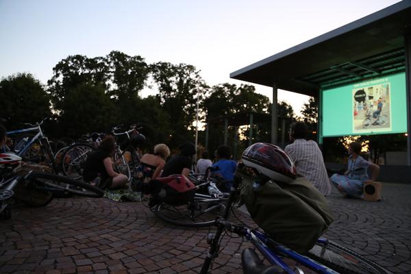 Projector-Bike-09.jpg
