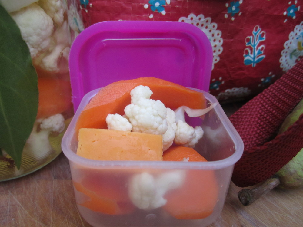 Quick pickle cauliflower & carrot with some cheddar cheese chunks for Grace's packed lunch.