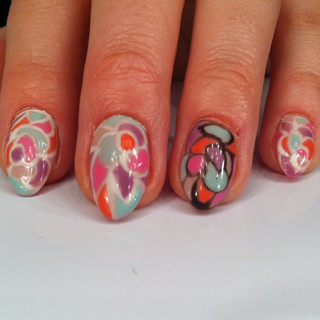 Acrylic extensions with gel polish art