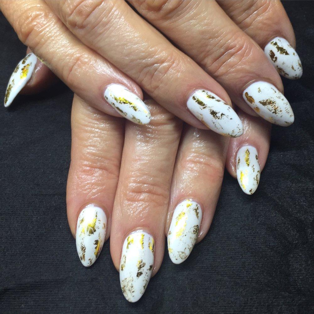 White Gel Polish w Gold Foil