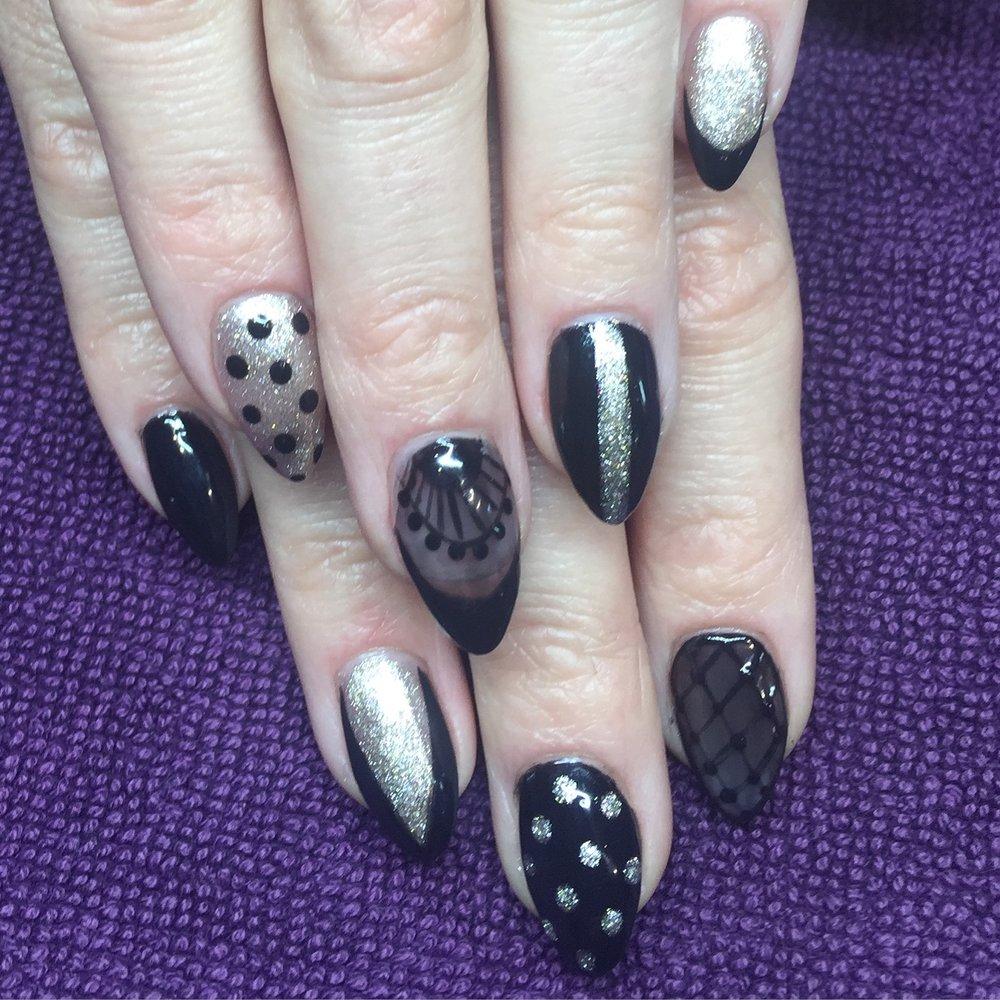 Acrylics w Gel Polish nail art
