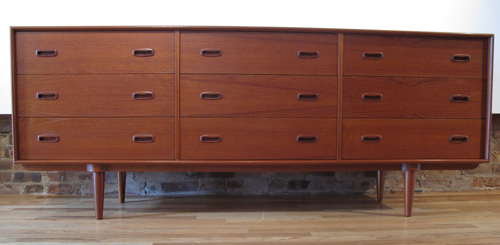 DANISH TEAK 9-DRAWER DRESSER