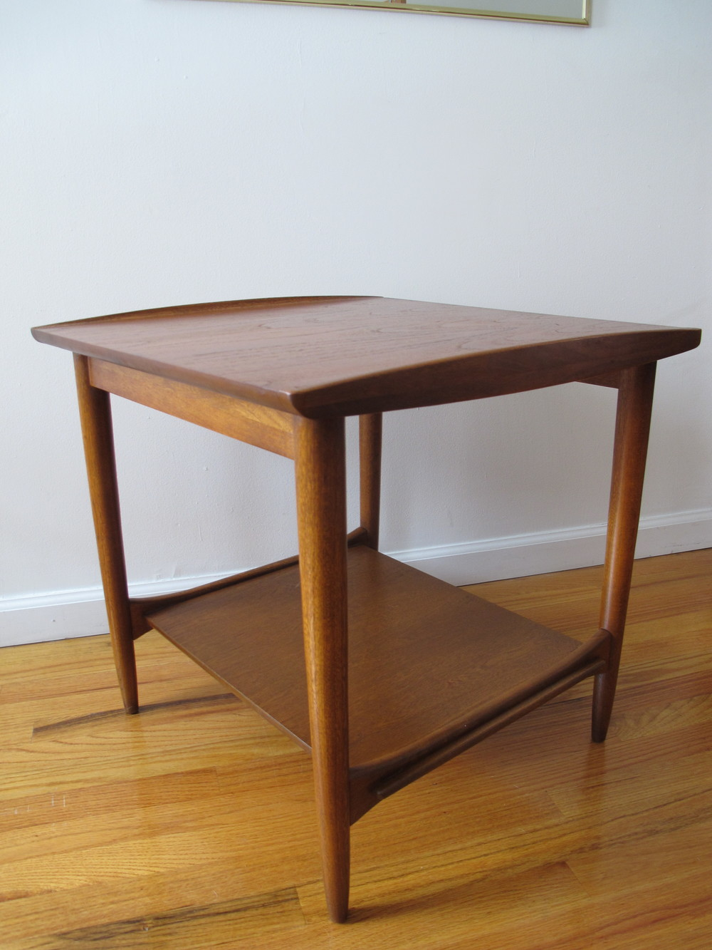LANE DANISH MODERN STYLE SQUARE END TABLE