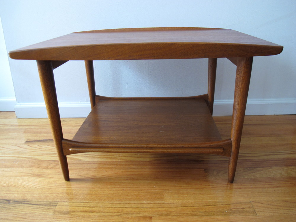 LANE DANISH MODERN STYLE END TABLE
