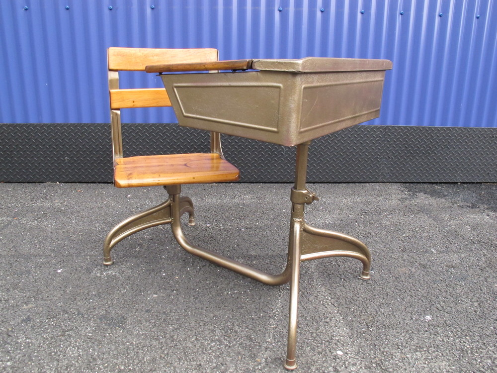 BEL GEDDES STYLE SCHOOL DESK BY KUNDTZ