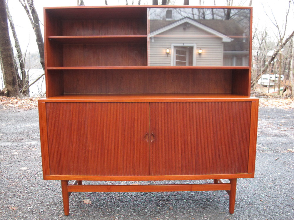 DANISH HUTCH BY ERIC WORTS