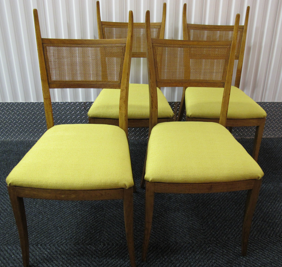SET OF MID CENTURY DINING CHAIRS