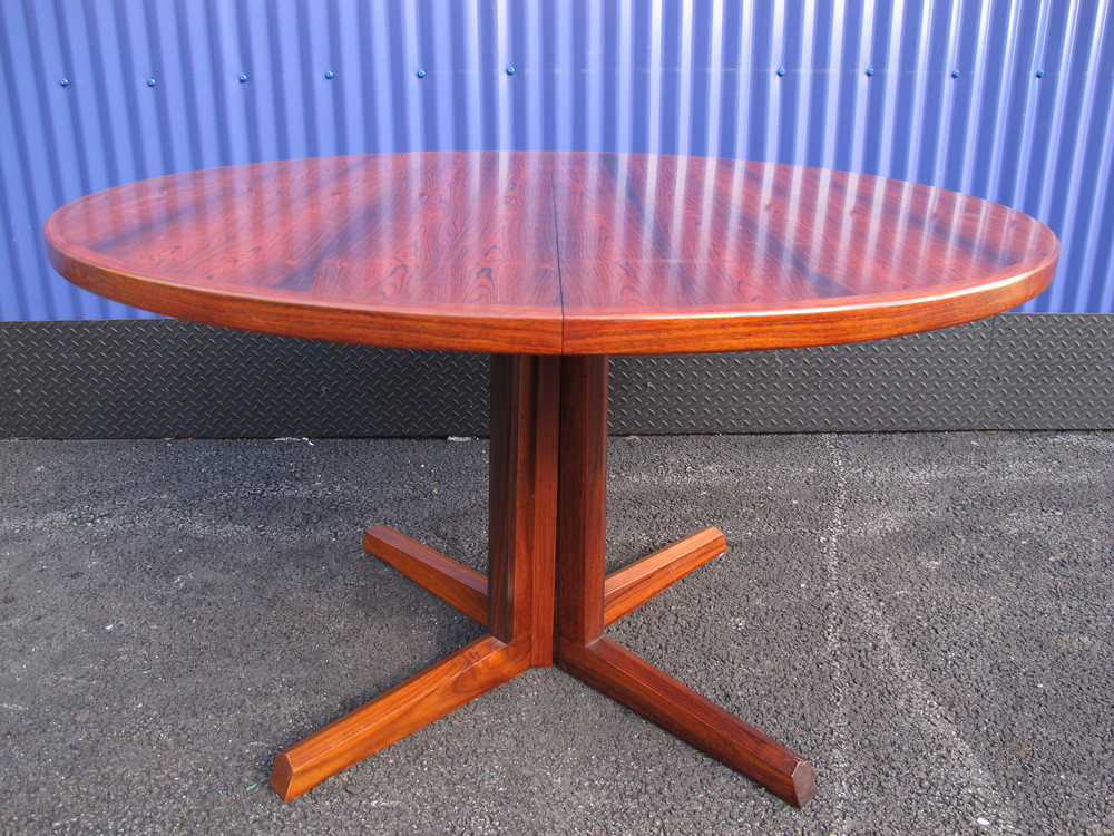 GUDME MOBELFABRIK ROSEWOOD DINING TABLE