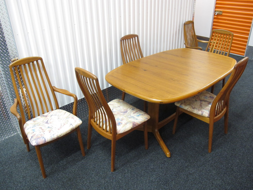 DANISH DYRLUND DINING SET