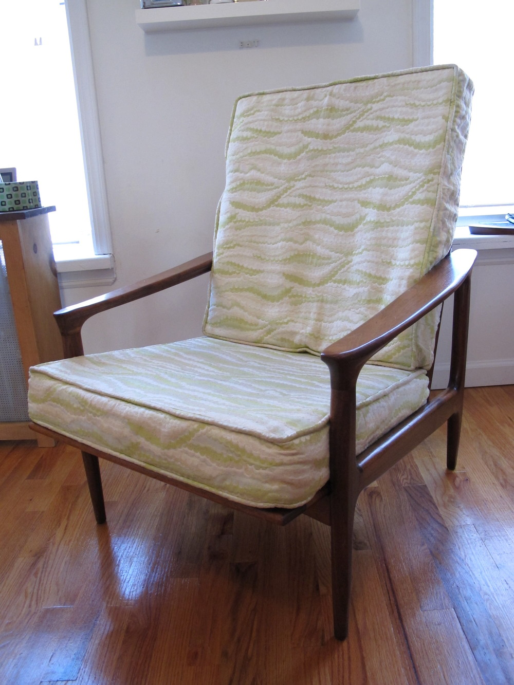 MILO BAUGHMAN THAYER COGGIN LOUNGE CHAIR