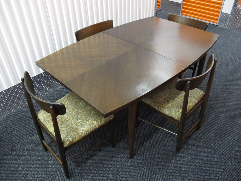 AMERICAN OF MARTINSVILLE DANIA DARK WALNUT DINING SET