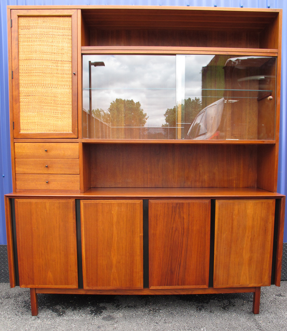 DILLINGHAM ESPRIT MODERN HUTCH ATTRIBUTED TO MILO BAUGHMAN