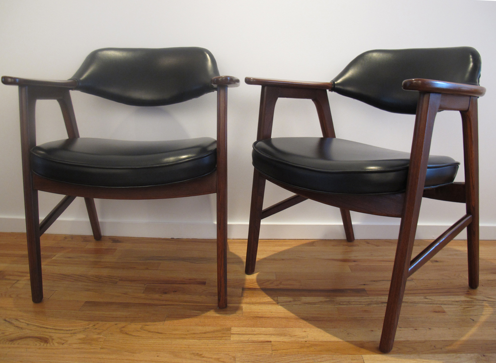 Pair of danish style armchairs by paoli for Furniture of america wolfgang home bar cabinet