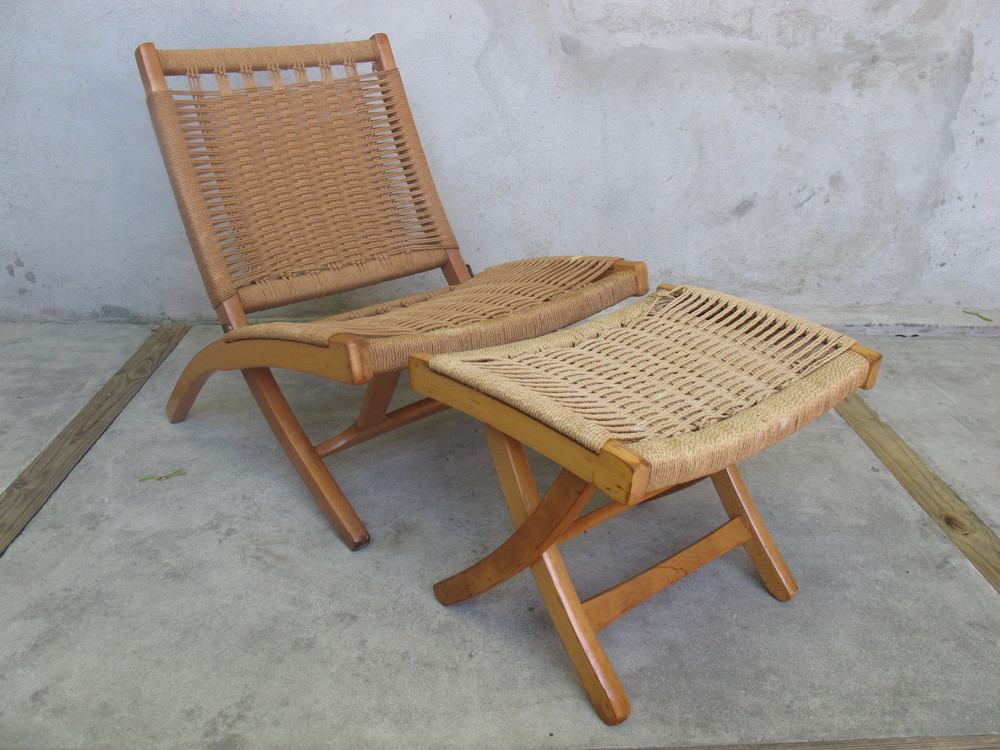 HANS WEGNER STYLE FOLDING ROPE CHAIR & OTTOMAN