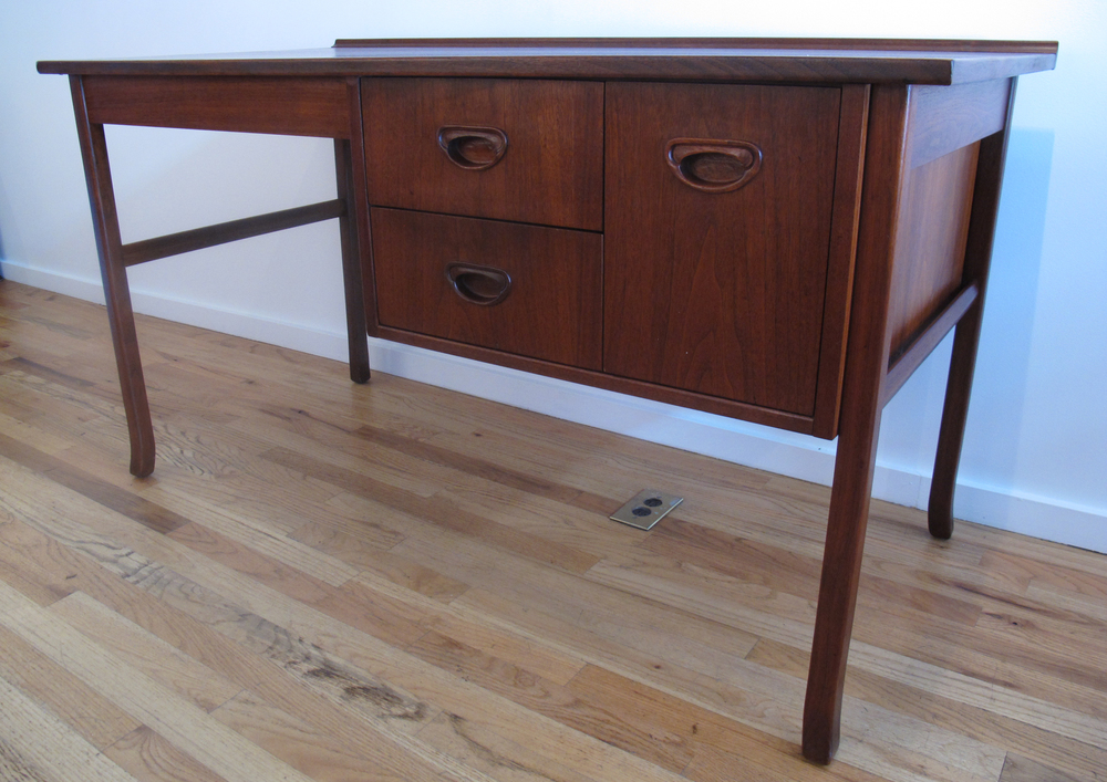 DANISH MODERN WALNUT DESK AFTER KAI KRISTIANSEN