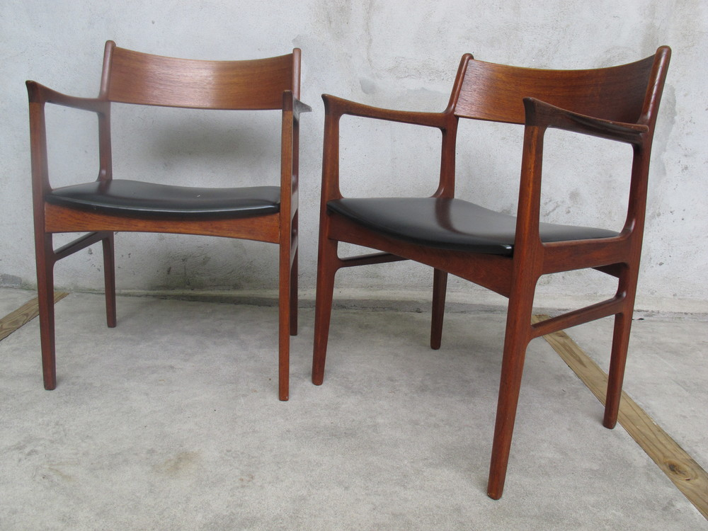 PAIR OF DANISH MODERN TEAK ARMCHAIRS BY FUNDER-SCHMIDT & MADSEN