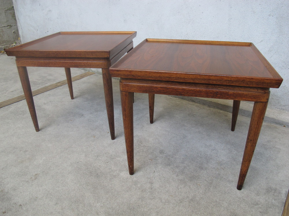 PAIR OF MID CENTURY SQUARE END TABLES