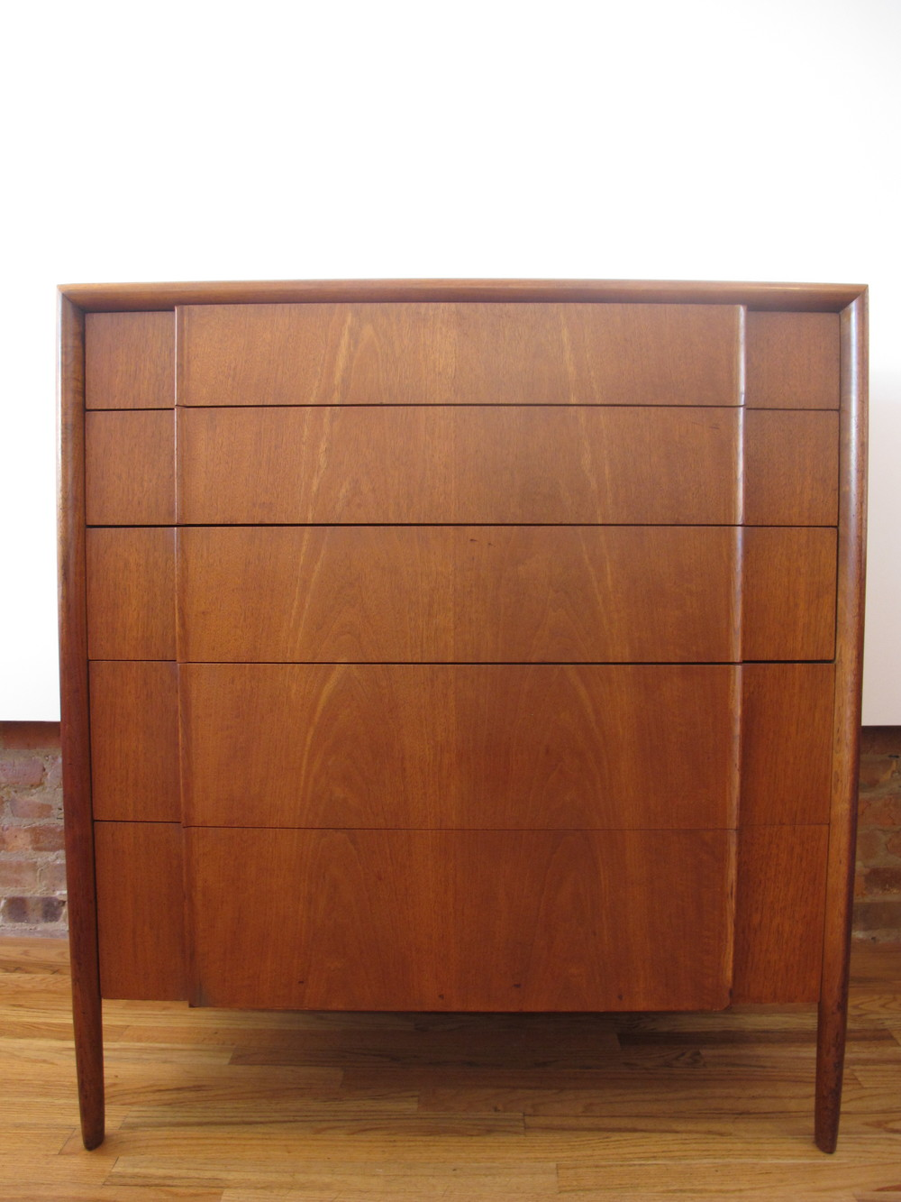 DREXEL PARALLEL TALL DRESSER