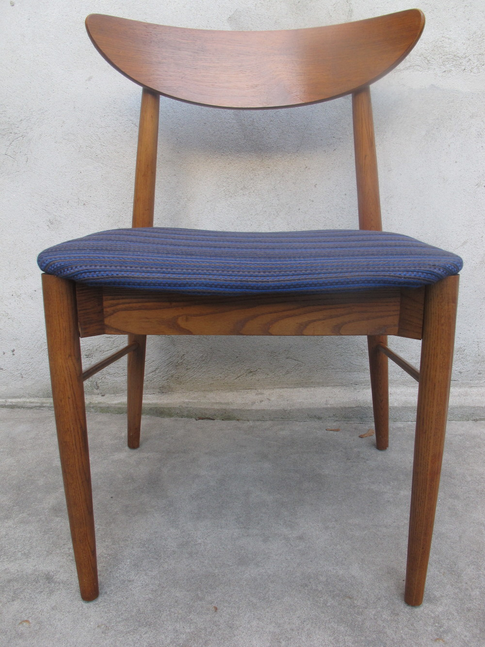 DANISH MODERN SIDE CHAIR