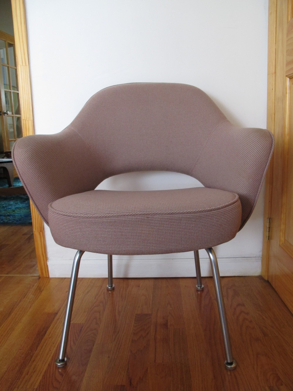 KNOLL EXECUTIVE ARMCHAIR BY SAARINEN