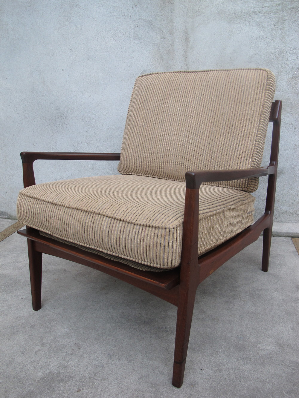 NORWEGIAN DARK WALNUT LOUNGE CHAIR