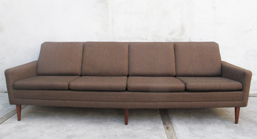 SCANDINAVIAN MODERN BROWN DUX MODERN SOFA BY FOLKE OHLSSON
