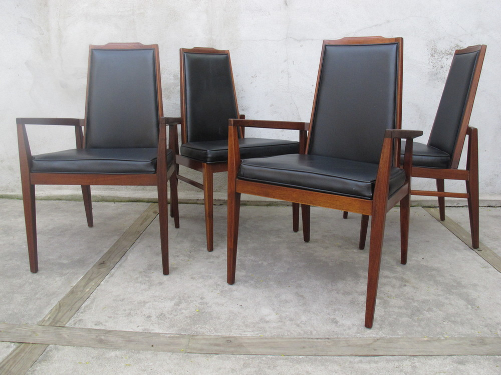 MID CENTURY WALNUT DINING CHAIRS BY FOSTER-MCDAVID