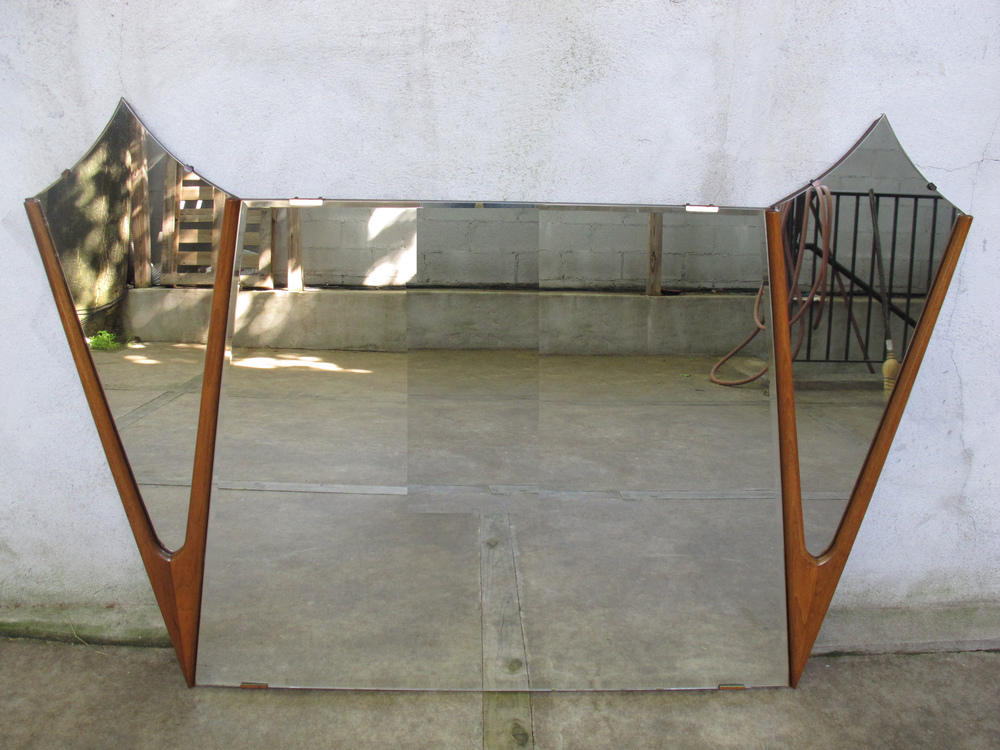 MID CENTURY MODERN SCULPTED WALNUT MIRROR