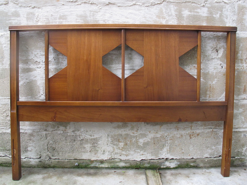 MID CENTURY WALNUT HEADBOARD BY HOOKER