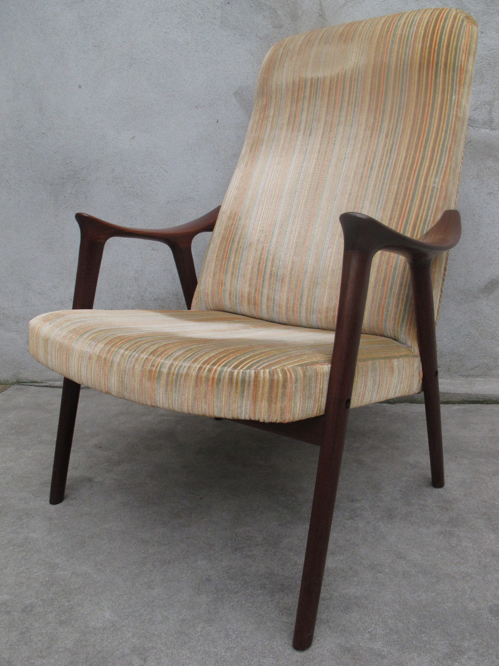 NORWEGIAN LOUNGE CHAIR BY MORE LENESTOLFABRIKK