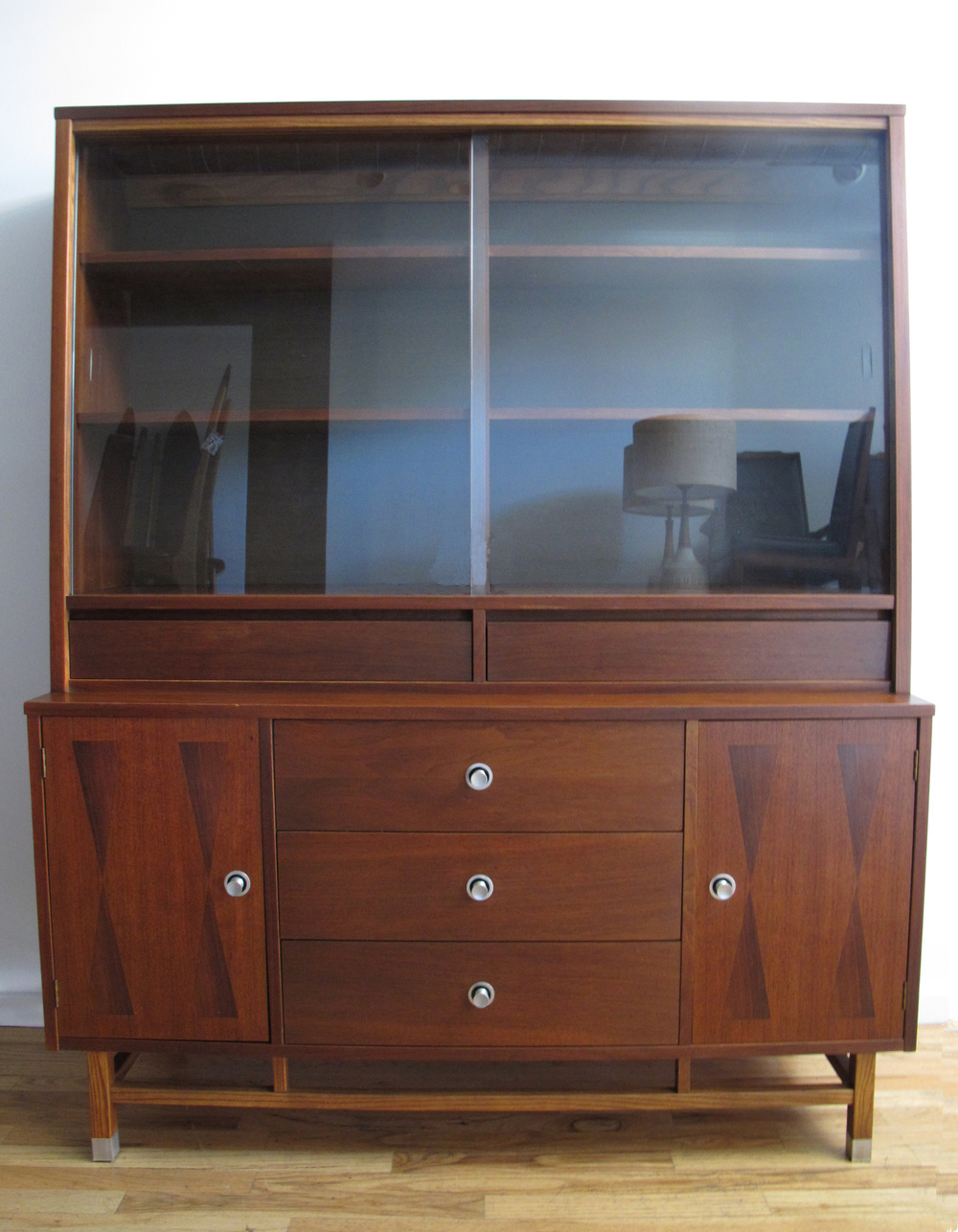 MID CENTURY WALNUT HUTCH BY STANLEY