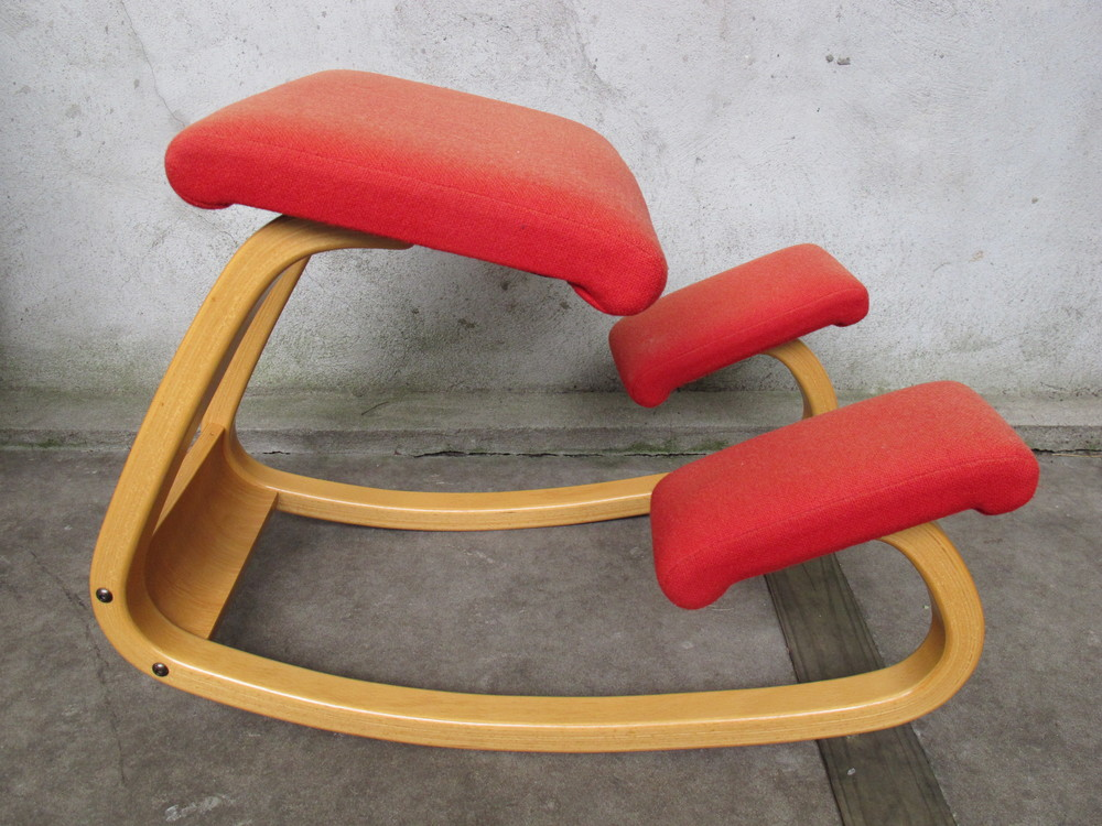 VINTAGE BALANS ERGONOMIC KNEELING CHAIR BY PETER OPSVIK