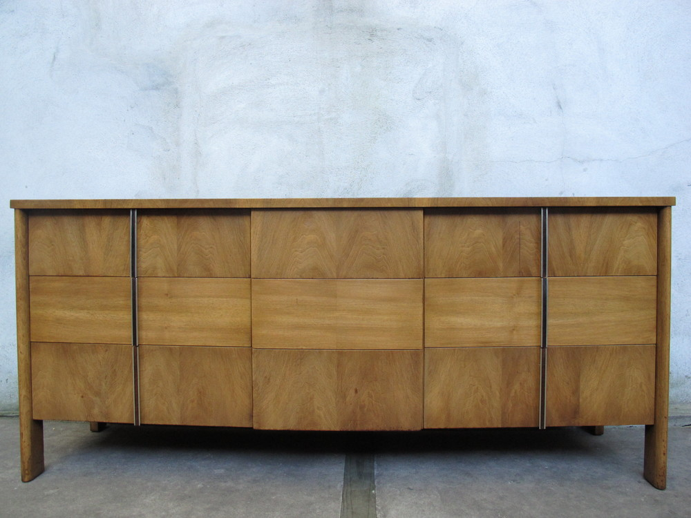 MID CENTURY WIDDICOMB WALNUT LONG DRESSER BY DALE FORD